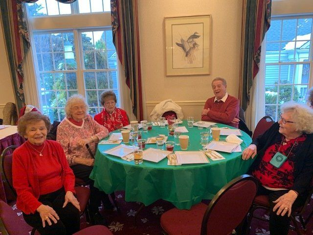 An image of Colonial Manor at Panther Valley's residents enjoying time together.
