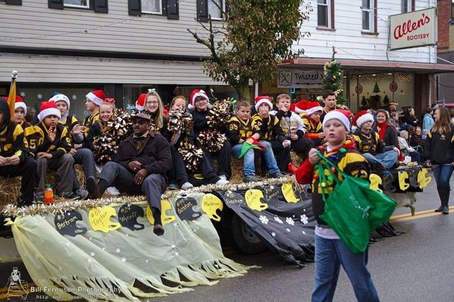 Marshall County Christmas Parade 2020 Calendar of Events | Marshall County Chamber of Commerce